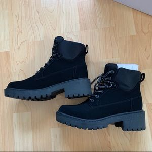 NEW Kendall and Kylie Black boots